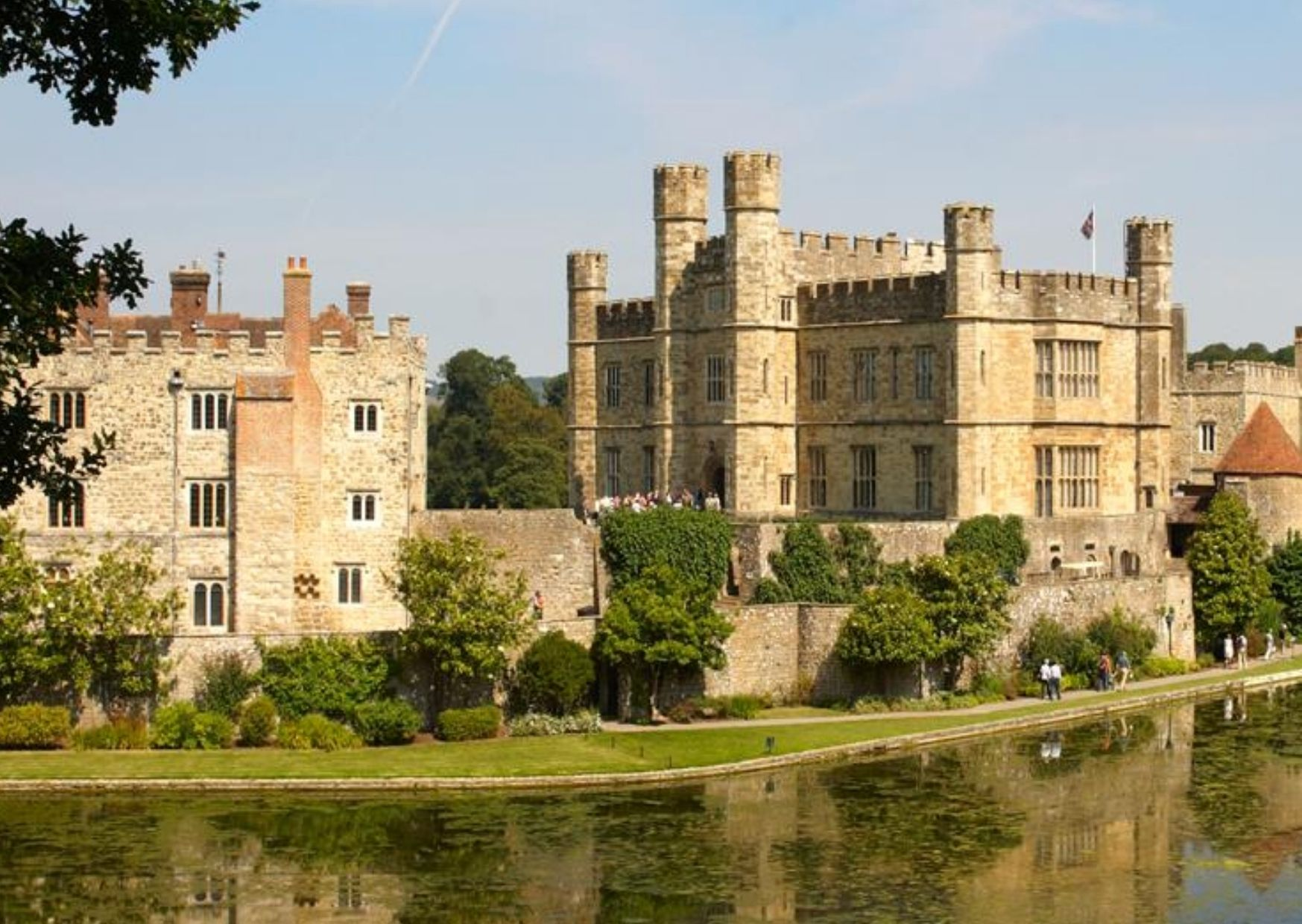 Transfer from London to Canterbury Cathedral and Leeds Castle